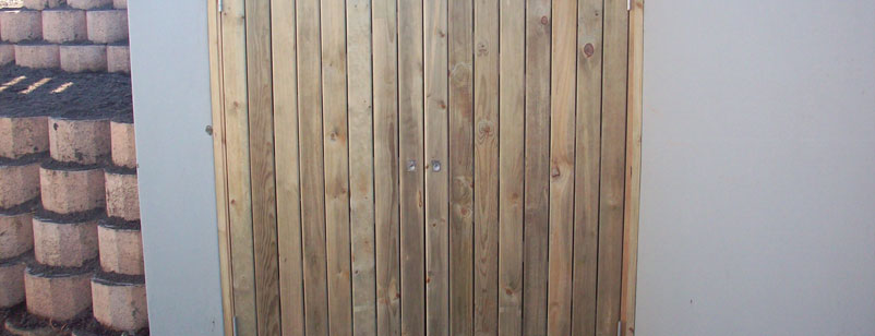 wooden gates and doors 002