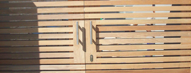 wooden gates and doors 005